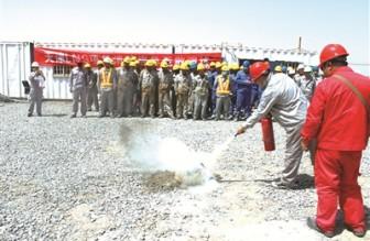石化四建公司天津LNG(二期)扩能改造工程项目部举行火灾消防应急演练